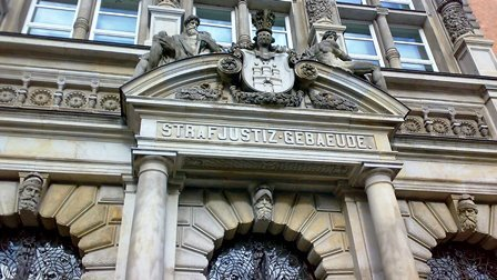 Steuerhinterziehung ist kein Kavaliersdelikt und wird vor den Strafgerichten angeklagt